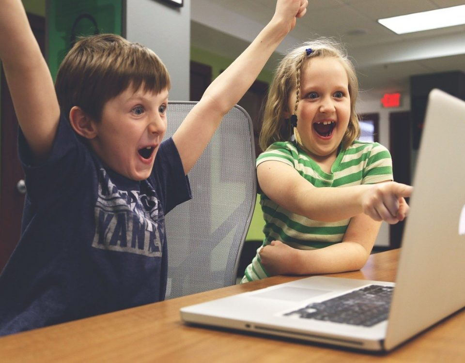 Kada dete igra igrice za deset minuta, deset puta se javi hormon sreće, što nije fiziološki